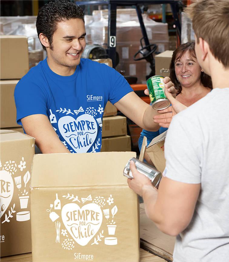 siempreporchile-entregando-cajas-de-alimentos